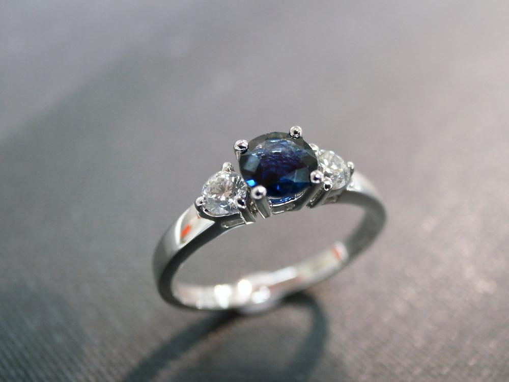 Engagement Ring With Diamond And Blue Sapphire In 14k