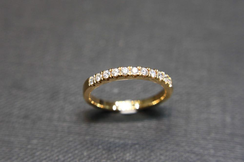 Wedding Diamond Ring in 18K Yellow Gold